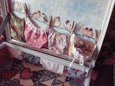 """Купить или заказать Чемодан """"Мой воробушек"""" в интернет магазине на Ярмарке Мастеров. С доставкой по России и СНГ. Срок изготовления: от 7-10 дней, срок уточняется. Материалы: чемодан, ткань хлопок, салфетки…. Размер: 50х30х15 см"""