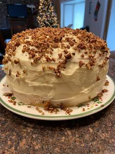 Butter Pecan Cake with Buttercream Frosting - Susan Recipes Cake Icing, Buttercream Frosting, Eat Cake, Frosting Recipes, Round Cake Pans, Round Cakes, Susan Recipe, Butter Pecan Cake, Custard Cake