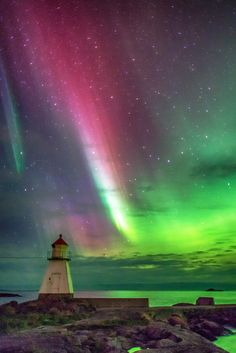 Northern lights above Blindheim, Norway AURORA Beautiful Sky, Beautiful World, Beautiful Places, Beautiful Pictures, All Nature, Amazing Nature, Northen Lights, Am Meer, Night Skies