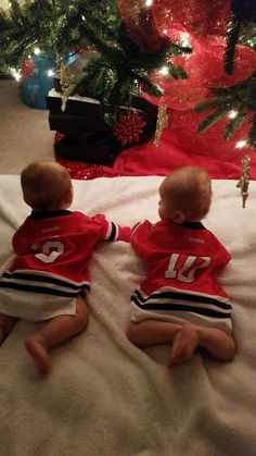Twin Blackhawks fans.