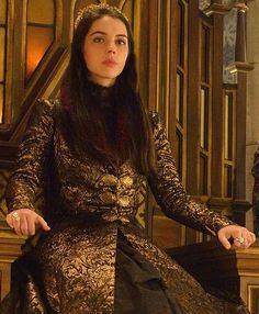 "Mary Stuart - Reign ""Acts of War"" Season Episode 9 Queen Mary Reign, Mary Queen Of Scots, Reign Season 2, Adelaine Kane, Marie Stuart, Reign Tv Show, Reign Dresses, Reign Fashion, Lady Mary"