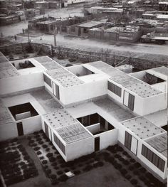 Bresciani, Valdés, Castillo, Huidobro y Urzúa. Conjunto habitacional, Arica Chile 1956-57 Pontificia Universidad Católica de Chile