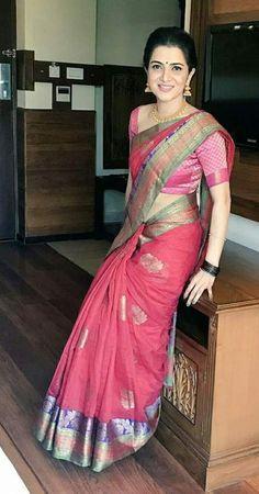 Bridal saree blouse back ux ui designer 26 Ideas Beautiful Saree, Beautiful Indian Actress, Kerala Saree Blouse Designs, Indian Girl Bikini, Indian Girls Images, Sari Dress, Saree Photoshoot, Saree Trends, Saree Models