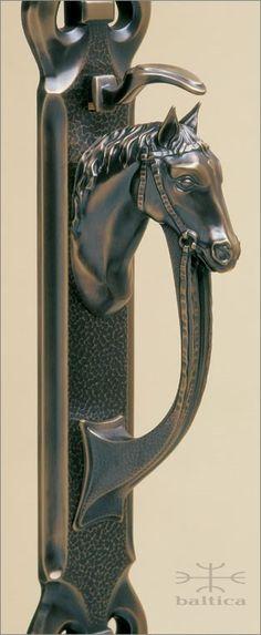 Telluride thumblatch II  / antique bronze | Custom Door Hardware sandcast of silicon bronze and handcrafted by master artisans | www.balticacustomhardware.com
