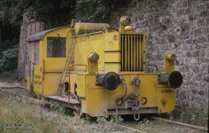 Diese gelbe Köf II, eine Orenstein & Koppel Lok mit der Nummer 26005, war am 11.9.1988 noch im  - Bahnbilder.de