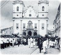 Igreja de São Pedro Demolida, Salvador - Bahia   O Templo foi inaugurado no início do século 18 e demolido em 1913. Ficava no atual Largo de São Pedro. Em 1916, uma nova Igreja de São Pedro foi construída na Piedade.