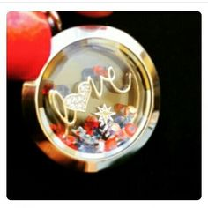 Happy 4th   Time is ticking get your favorite pieces before they're gone www.ziairslockets.origamiowl.com/