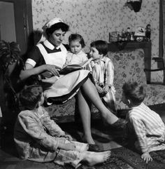 The maternity nurse, 1950 Good Old Times, The Good Old Days, Vintage Pictures, Old Pictures, Pregnant Nurse, Holland, Vintage Nurse, Kodak Moment, School Pictures
