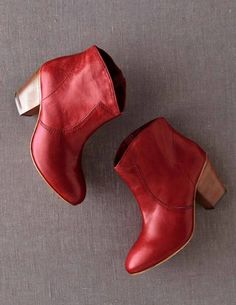 Cute Res Boots