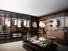 """Porro Spa   <p align=""""LEFT"""">Storage provides for a new expression and design of the wardrobe aiming at complying with any requirements. A flexible"""