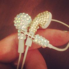 Cuite way to bling up your head phones