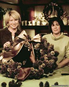 Pinecone Wreath by Martha Stewart Pine Cone Crafts, Wreath Crafts, Diy Wreath, Martha Stewart Christmas, Martha Stewart Crafts, Holiday Wreaths, Holiday Crafts, Christmas Projects, Christmas Holidays