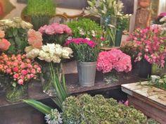 A Flower Shop in Paris… Arom