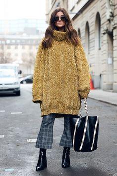 Spana in våra favoritoutfits från gatorna utanför visningarna på Fashion Week Stockholm AW17. Här är outfitsen vi inspirerades extra mycket av under modeveckans andra dag.