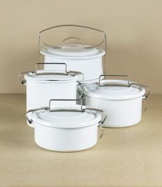 White vitreous enamel food carriers or lunch-pails. The steel and enamel construction is tough enoug. Lunch Box Thermos, Lunch Box Set, Bento Box Lunch, Reusable Lunch Bags, Insulated Lunch Box, Lunch Containers, Food Storage, Kitchen Stuff, Kitchen Tools
