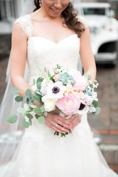 Bouquet with Garden Rose and Anemone