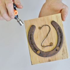 diy lucky horseshoe table numbers