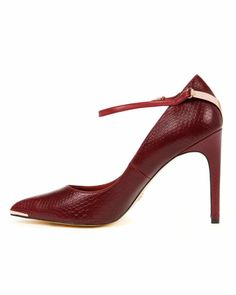 822598b1aa702f Women s Designer Shoes