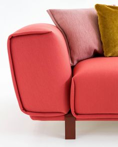 """142 Likes, 5 Comments - Pepe Cabrera (@pepecabrerastudio) on Instagram: """"Patricia Urquiola vuelve a conquistarnos con el diseño de este sofá #patriciaurquiola . #arq…"""""""