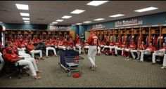 Ryno talks to the team and says he expects a winning season. #PhilsSpring