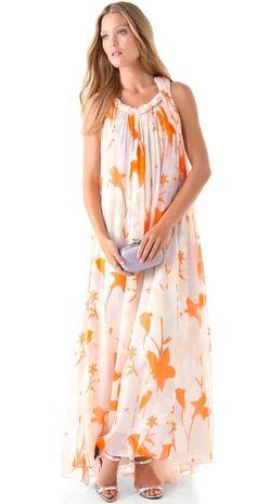 such a pretty print on this maxi dress