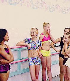 Holly Insulting Abby, and the Girls reaction