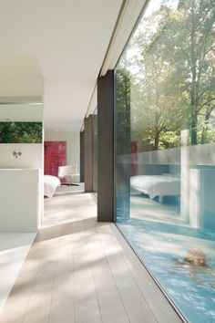 Villa Roces - glass house with sunken swimming pool at the front - by architects Govaert & Vanhoutte Contemporary Architecture, Interior Architecture, Interior And Exterior, Building Architecture, Modern Interior, Dream Master Bedroom, Minimal Home, Glass House, My Dream Home
