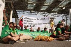 Fortuna bringt kein Glück! Aktion vor der BASF-Zentrale      http://goodfoodmarch.wordpress.com/2012/09/12/fortuna-bringt-kein-gluck-aktion-vor-der-basf-zentrale/