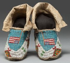 American Indian Art:Beadwork and Quillwork, A PAIR OF SIOUX PICTORIAL BEADED…
