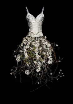 This so so cool!  Not that I could wear it but I just appreciate the beauty and creativity!
