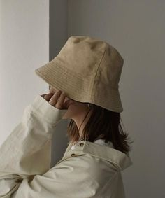 Cream Aesthetic, Brown Aesthetic, Aesthetic Vintage, Aesthetic Photo, Aesthetic Fashion, Aesthetic Girl, Aesthetic Clothes, Mode Outfits, Fashion Outfits