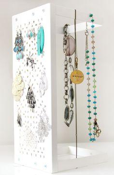 DIY, Jewelry storage with an Ikea, Variera Shelf.