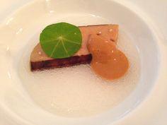 Foie gras, gelée de radis, crème d'oursin Restaurant ES Paris