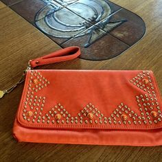 ⚡️ ⚡️ ⚡️⚡️Big Buddha big purse Good condition as show in picture Big Buddha Bags