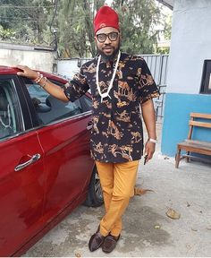 Igbo and Proud! @yawnaija in his outfit by @yazidastitches #Steevane #SV #SundayStyle