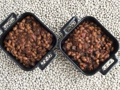 Hamburger Baked Beans - This recipe for baked beans is always a hit. They are extra hearty because of the ground beef and the homemade barbecue sauce has just the right balance of flavors. Not too tangy, not too sweet. Just delicious. Baked Beans With Hamburger, Homemade Baked Beans, Pork N Beans, Baked Bean Recipes, Hamburger Recipes, Southern Baked Beans, Southern Dishes, Homemade Barbecue Sauce, Ground Beef