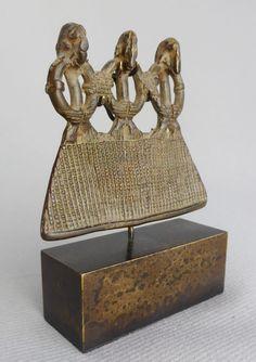 Bronze Pendant With it's superb stand display Art Tribal, Art Premier, Art Africain, Bronze Pendant, Sculpture, Ivory Coast, Ivoire, Decorative Boxes, Auction