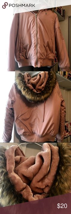 Forever 21 mauve blush puffer jacket F21 puffer jacket with faux fur lined hood and faux fur trim. Super soft and cozy. Beautiful blush/mauve color. Worn once, but it was too large for me. (I wear a medium.) retails for $30. Open to REASONABLE offers!  Check out my other listings! I'm moving and cleaning out my closet! Lots of items new with tags! Forever 21 Jackets & Coats Puffers