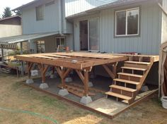 stair stringers cut using specs found online. stair stringers cut using specs found online. The post stair stringers cut using specs found online. appeared first on Terrasse ideen. Small Porches, Decks And Porches, Diy Porch, Diy Deck, Front Porch Deck, Mobile Home Porch, Stairs Stringer, Floating Deck, Deck Stairs