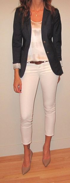 My friend Em has an awesome blog with her wicked outfits like this one! Love her stye!