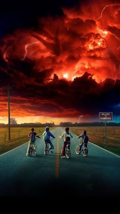 Stranger Things 2 premieres Friday, October 27 on Netflix. So Stranger Things 2 is coming out the Friday before, October Well, there's been an upd. Stranger Things Netflix, Stranger Things Saison 1, Stranger Things Tumblr, Stranger Things Season Two, Strange Things Season 2, Stranger Things 2 Poster, Stranger Quotes, Stranger Things Monster, Stranger Things Upside Down