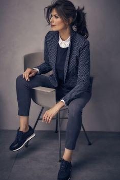 prachtige kleuren en combinatie van blouse, trui en jasje