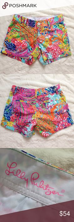 """LILLY PULITZER The Callahan Short The Callahan classic short has earned its spot on the production line time and time again because of its flawless fit, consistent quality and unstoppable versatility. Beach twill fabric. 5"""" Inseam, Zip Fly Short With Center Front Button Closure, Slant Front Pockets, And Back Welt Pockets. 100% Cotton. Machine Wash Cold. NEW WITHOUT TAGS! Lilly Pulitzer Shorts"""