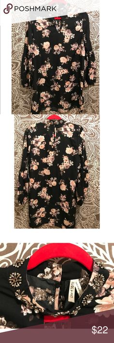 ❤️NEW❤️ FLORAL TUNIC STYLE DRESS New with tags, has about 4 stones missing from the collar.   Still very beautiful. Runs a little small. live 4 truth Dresses Long Sleeve