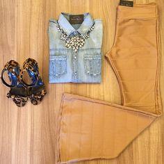 Instagram media by lojapatriciarodrigues - Hello segundona!!! Prontas para mais uma semana e com muitas opções de looks para vocês ❤️ Camisa Jeans New (P M G) e Calça Flare Dourada (P M G ). Para compras só acessar nosso Site.