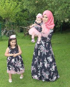 Mommy Daughter Dresses, Mother Daughter Fashion, Mom Daughter, Work Dresses For Women, Dresses Kids Girl, Kids Outfits, Clothes For Women, Muslim Women Fashion, Muslim Dress