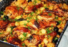 Szezonális alapanyagokból, ahogy mi szeretjük! Tévedés, hogy a magyaros konyha csak zsíros ételeket kínál, bebizonyítjuk, hogy egészséges is lehet! Beef Recipes, Chicken Recipes, Cooking Recipes, Healthy Recipes, Good Food, Yummy Food, Hungarian Recipes, Hungarian Food, Vegetable Seasoning