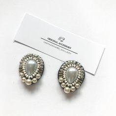 Diy Earrings Dangle, Seed Bead Earrings, Earrings Handmade, Hand Embroidery Art, Bead Embroidery Jewelry, Beaded Embroidery, Modern Jewelry, Diy Jewelry, Beaded Jewelry