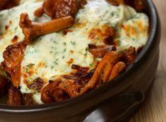 Wiener Eierschwammerlgulasch Austrian Recipes, Lasagna, Mashed Potatoes, Easy Meals, Easy Recipes, Sausage, Menu, Ethnic Recipes, Champions
