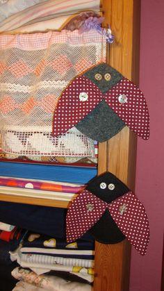 """Textile pin: """"Ladybug"""" . http://de.dawanda.com/shop/ursulavongranegg/1125205-Broschen-und-Anstecker - Facebook page: https://www.facebook.com/Wilhelmine-Wiesenkraut-802474093168101/timeline/?ref=hl"""